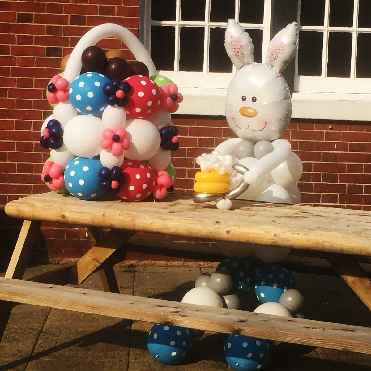 Easter bunny balloon creation